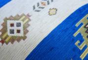 シェニール織りトルコ製クッションカバーネイティブ/キリムデザイン (インディゴブルー&クリーム)1