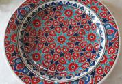 tkp30-a1(アラベスク柄レッド)トルコ・キュタフヤ陶器手描きプレート30cm1-1