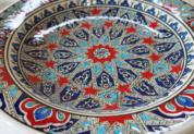 tkp30-a2(アラベスク柄ブルー)トルコ・キュタフヤ陶器手描きプレート30cm1-2